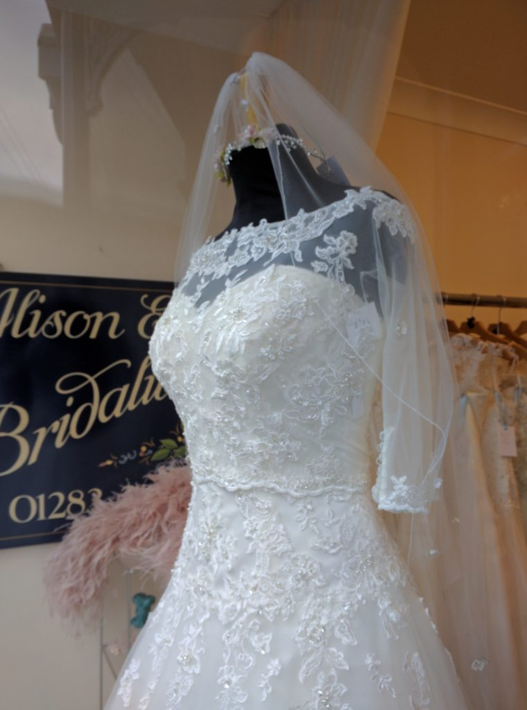 Why not choose this Wedding dress?
